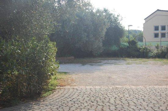 B&B Villa Blu Frascati : parcheggio privato