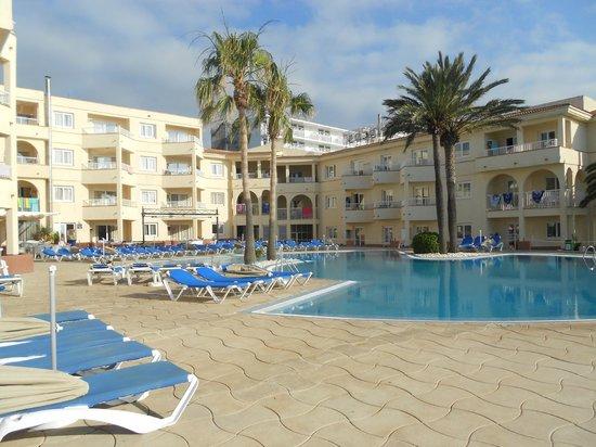 Grupotel Tamariscos: Pool area