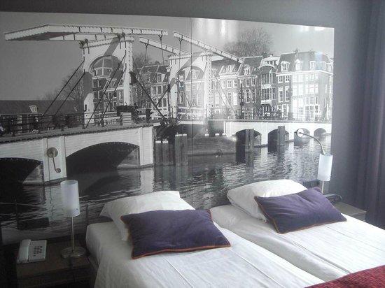 Hotel Citadel: городской пейзаж