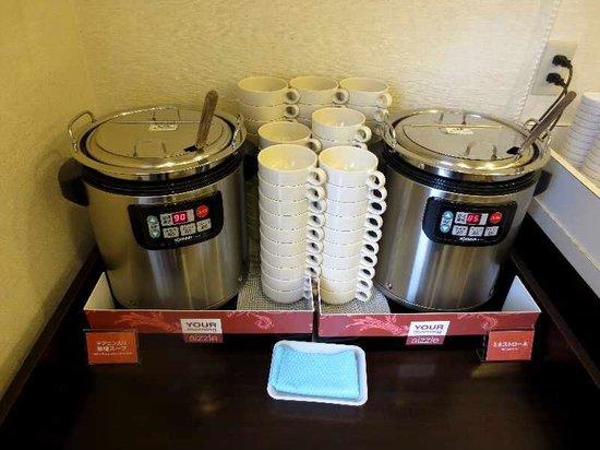 Comfort Hotel Hakodate : スープと味噌汁