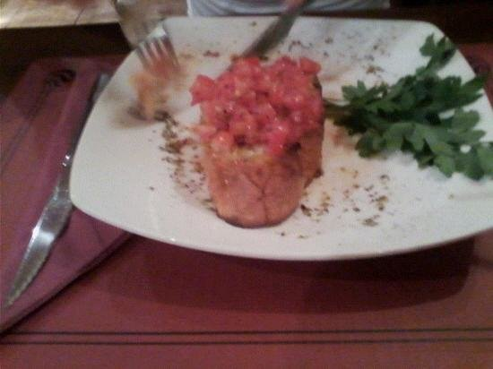 Valentina's : Garlic bread starter, Deliciously topped with Fresh Tomatoes