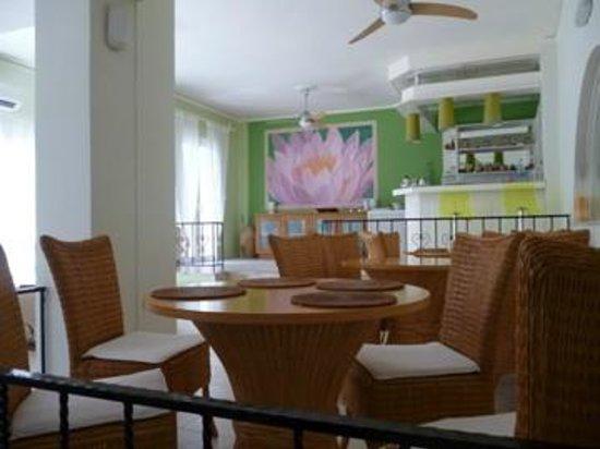 Waterlily Hotel : réception/petit-déjeuner