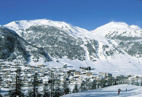 Montgenevre Ski Resort : Montgenèvre Hautes Alpes