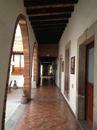 Hotel Meson de los Remedios: Pasillo de acceso a las habitaciones