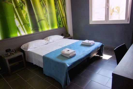 Doric Bed