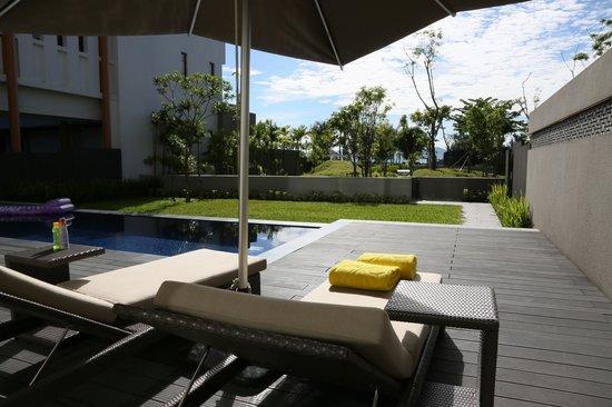 Angsana Lang Co: Two bedroom Suite pool