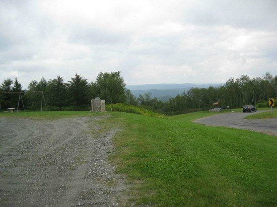 Williams College : Mohawk Trail Rt 2 pull over for view