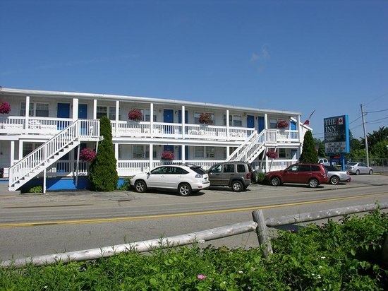 The Inn at Soho Square in Old Orchard Beach Maine - Parking