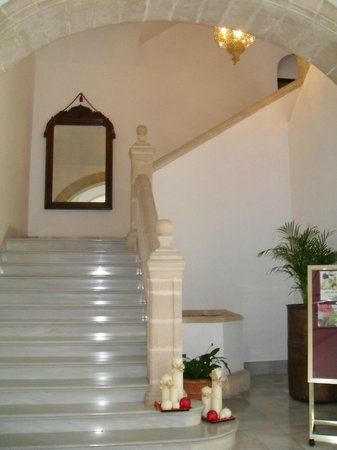 Monasterio De San Miguel Hotel: Stairwell in Hotel