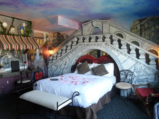 AmericInn Lodge & Suites Rexburg - BYU: sleeping under the bridge