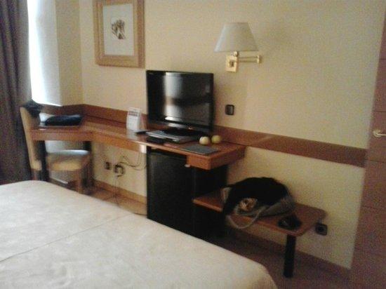Los Arcos Hotel: Televisión
