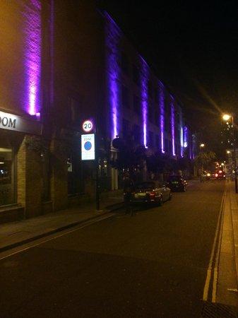 Premier Inn London Kings Cross Hotel : Via laterale