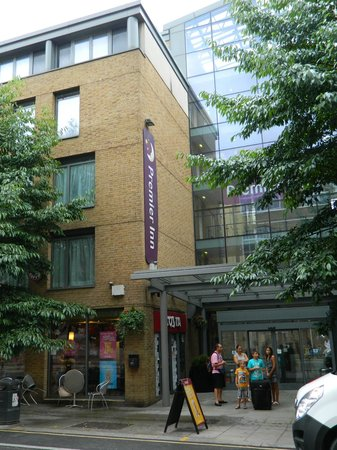Premier Inn London Kings Cross Hotel: Facciata anteriore