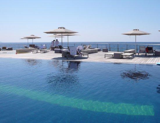 Plage priv e picture of sofitel golfe d 39 ajaccio thalassa for Carouge piscine