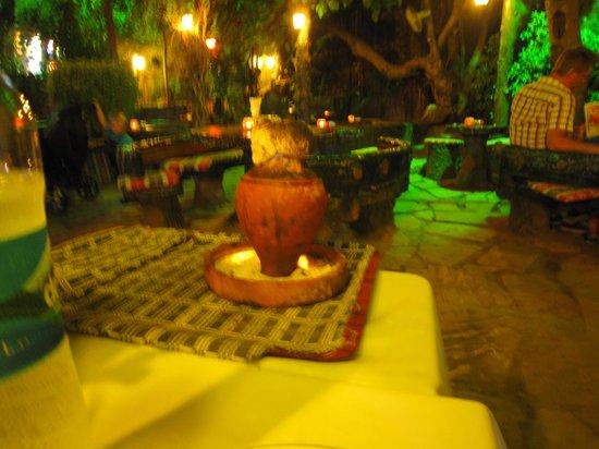 Pasakoy Bar & Restaurant: The Testi Kebap