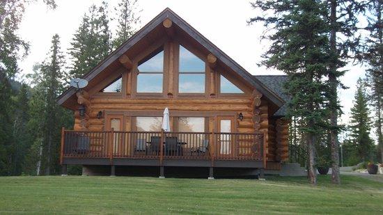 Alpine Meadows Resort: lodge exterior