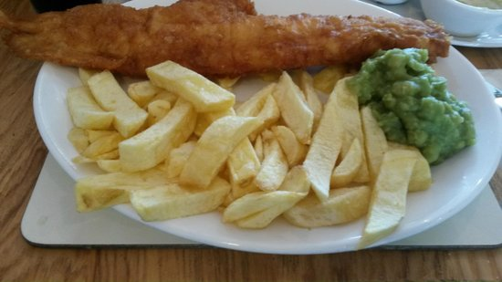 Squires Fish Restaurant: the award winning fish & chips with peas included with a drink