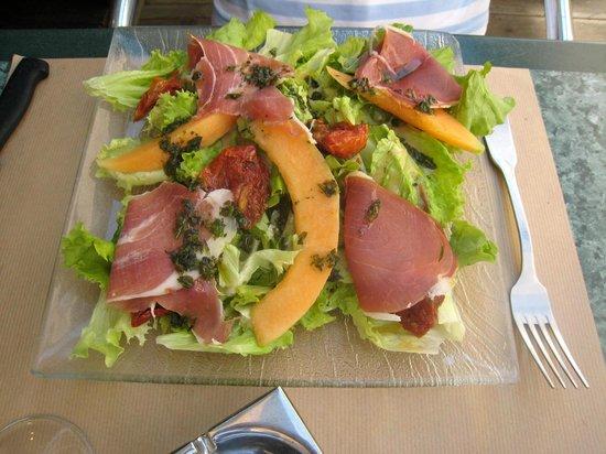 Hall'86 Café : salade italienne
