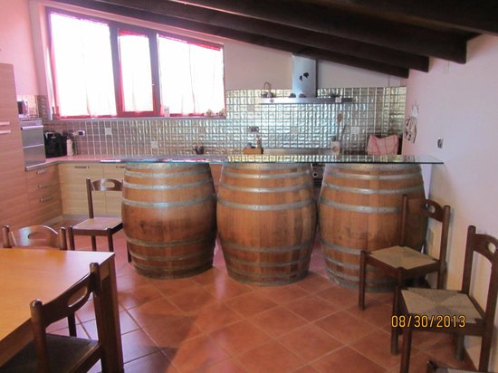 San Marzano Oliveto, Italien: Tasting room
