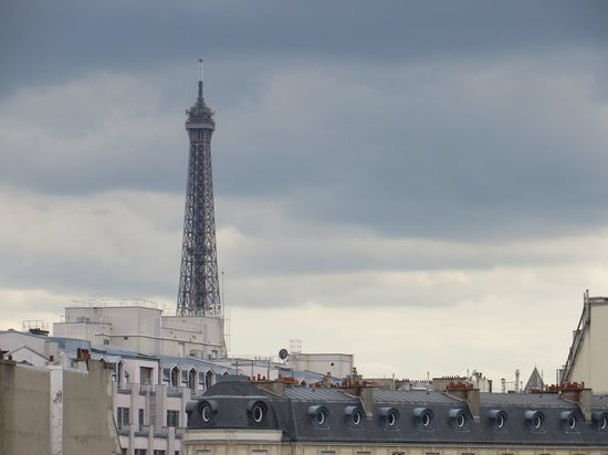 Hotel du Collectionneur: Our view of the Eiffel Tower