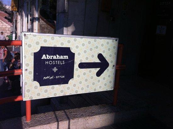 Abraham Hostel Jerusalem : street entrance
