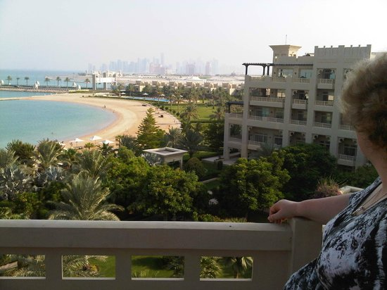 Grand Hyatt Doha Hotel & Villas: Overlooking the Garden and Private Beach