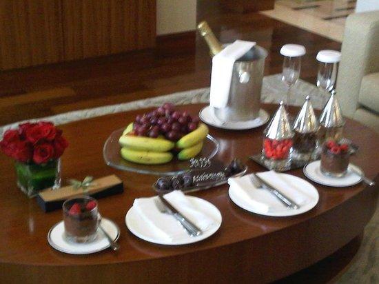 Grand Hyatt Doha Hotel & Villas : On arrival for our anniversary