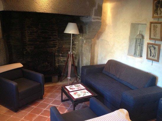 La Maison Duchevreuil: Salon Personnel