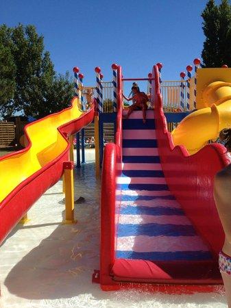 Yelloh! Village Le Sérignan-Plage : Jeux aquatiques