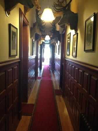 Mar Lodge Estate: Apartment corridor