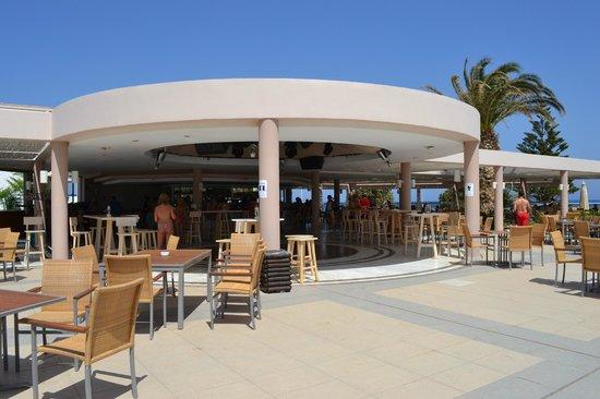 Lyttos Beach Hotel : bar piscine