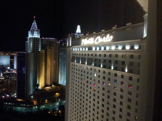 Monte Carlo Resort & Casino: Deluxe room view 31st floor