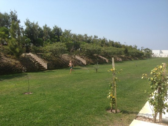 Bom Sucesso Resort : Jardin privé