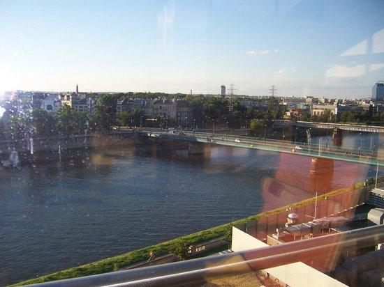 Qubus Hotel Krakow: Utsikt fra basseng i 6 etg