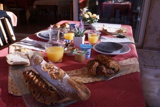Domaine de l'Aufrene : Petit Dejeuner
