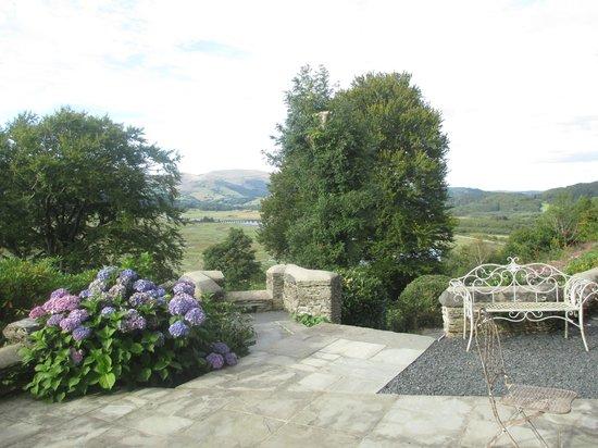 Glandyfi Castle: Terrace