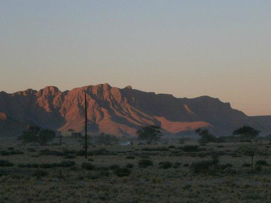 Sossus Oasis Camp Site : décor autour du camp