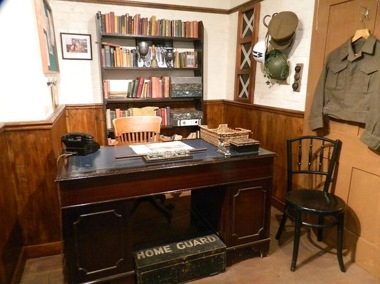 Dad's Army Museum: Captain Mainwarings office