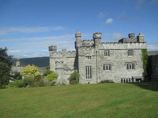Glandyfi Castle: The Castle