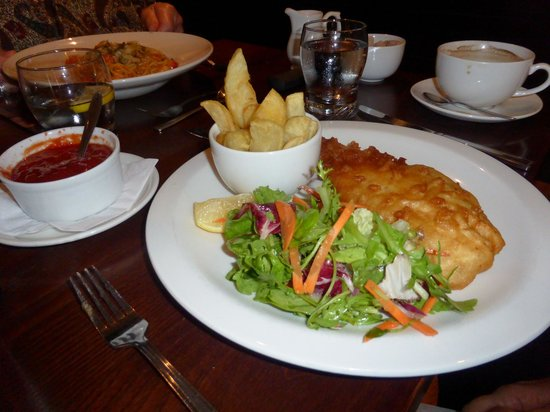 Nevis Bank Inn : Crispy haddock fillet
