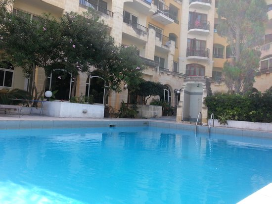 Il Palazzin Hotel: The hotel pool