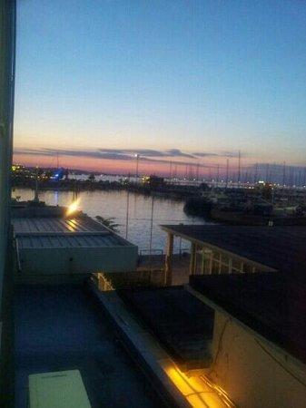 La Rotonda Sul Mare: Hafen am Abend