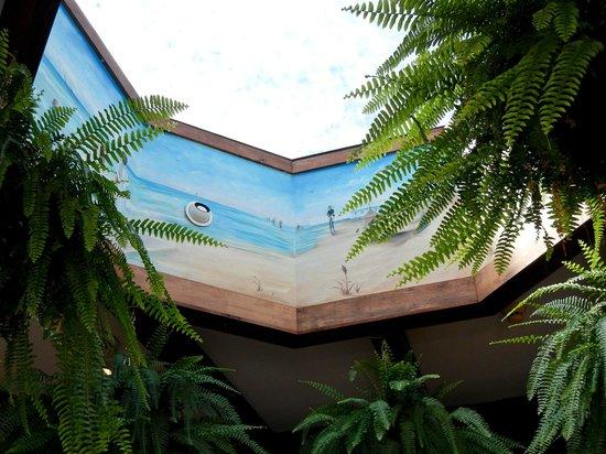 Duffer's Interior