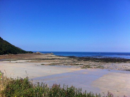 Manoir de l'Isle : a beach nearby