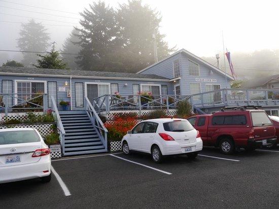Ocean Cove Inn: Parken obere Ebene