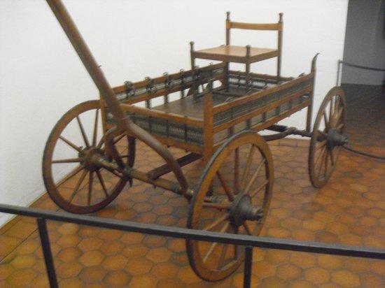 Musee Archeologique: Un carro funebre.