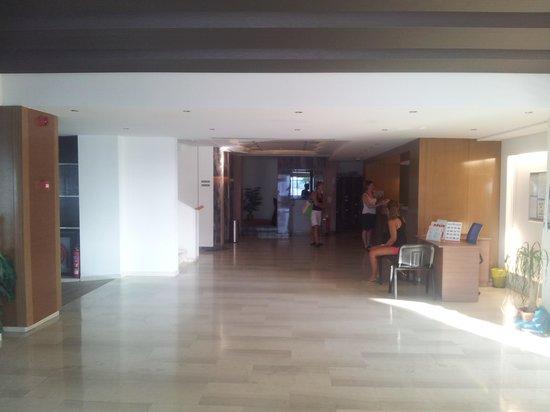 Lomeniz Hotel : reception