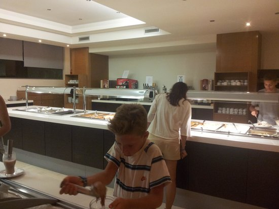 Lomeniz Hotel: buffet