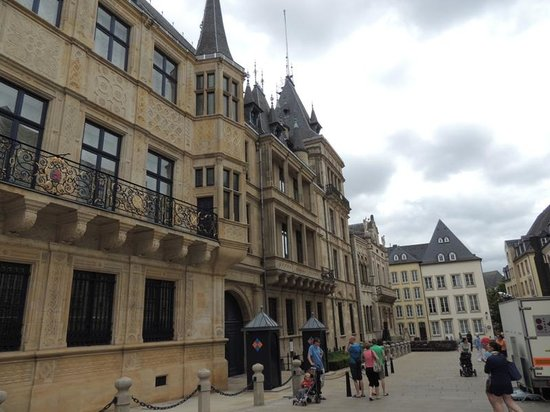 Palace of the Grand Dukes (Palais Grand-Ducal) : Palace of the Grand Dukes /Lüksemburg