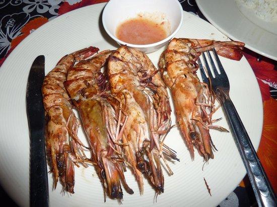 Koh Ngai Camping Restaurant: crevettes grillées